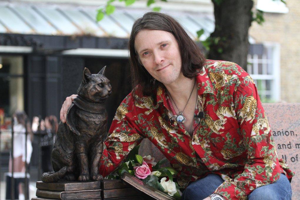 Street Cat Bob Immortalised in Islington Green